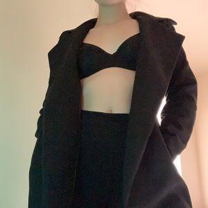 • Long black coat •
